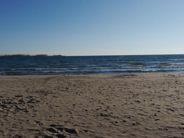 En plus d'être en pleine nature, certains habitants ont la plage et le lac Ontario à leur porte!