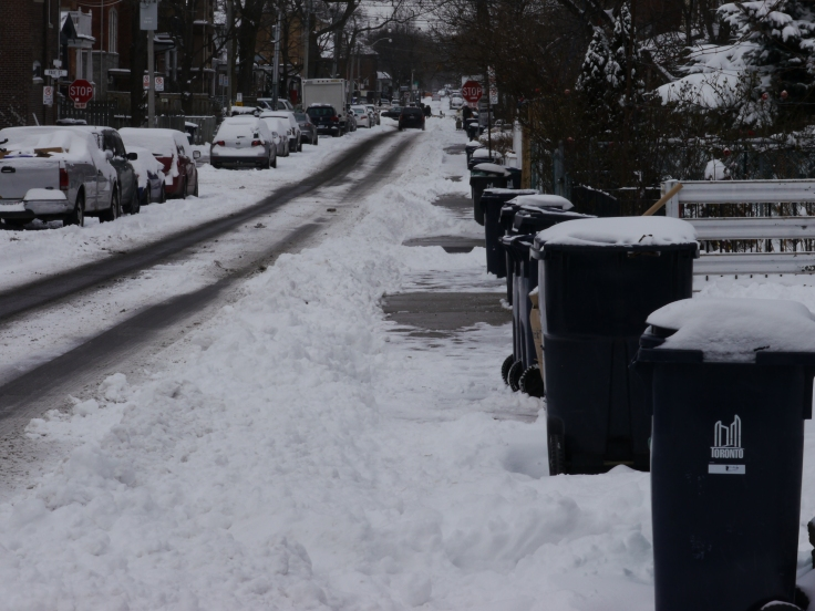 Voici à quoi ressemble ma rue à l'heure actuelle. Espérons que ça dure encore quelques jours!