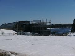 La centrale hydro-électrique de Pointe-du-Bois a plus de 100 ans / The hydro power plant in Pointe-du-Bois was built more than one century ago.