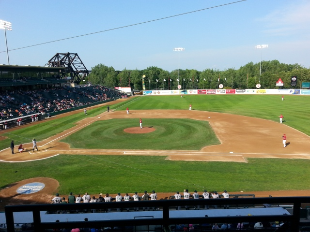 J'ai aussi eu l'opportunité d'assister à mon tout premier match de base-ball. Avec de la bouffe, des boissons et des amis, c'est pas si ennuyeux que ça / I also had the opportunity to attend my very first baseball game. With food, beverages and a bunch of friends, it is not as boring as I thought
