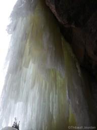 Chute d'eau gelée / Frozen falls