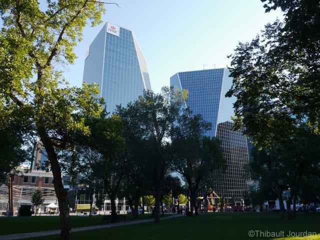 Un parc existe en plein coeur de Regina / There is a park in the core of Regina.