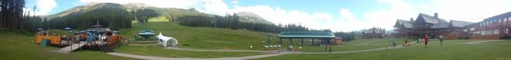 La station de ski de Lake Louise est splendide, même en été.