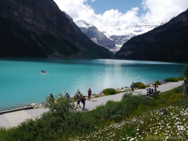 La couleur turquoise de l'eau ressort surtout au soleil.