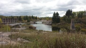vieux barrage pinawa old dam manitoba automne fall